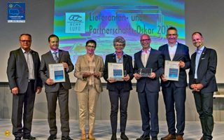 LUPO-Preisträgerin 2017 Maria Dhonau (mitte): Der Deutsche Caravaning Handelsverband DCHV hat anlässlich des Caravan Salons seine Branchen Oscars 2017 vergeben. (Foto: DCHV)