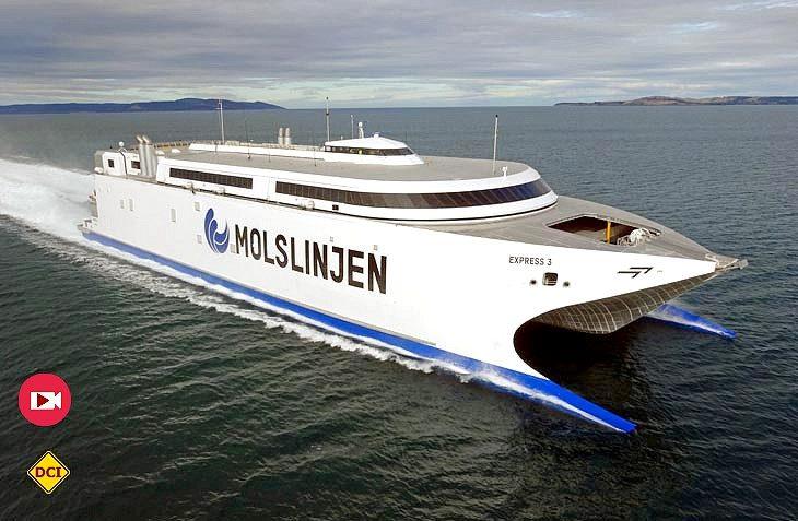 Keine Utopie – Die brandneue Schnellfähre Express 3 der dänischen Gesellschaft Molslinjen in voller Fahrt (Foto: Molslinjen)
