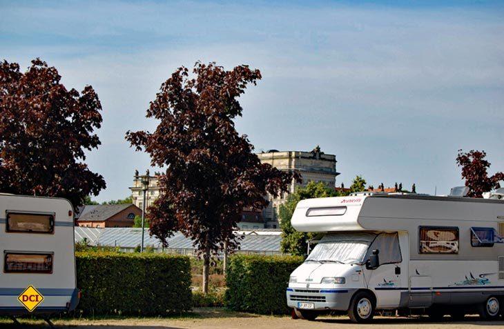 Die Stadt Ludwigslust hat den Stellplatz am Schlosspark erweitert und optimiert. Jetzt ist er wieder geöffnet. (Foto: Tourist-Info Ludwigslust)