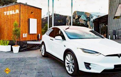 Tesla stellt einen ersten Wohnwagen aus nachhaltig ausgebautem Holz mit autarker Versorgung vor. (Foto: Tesla)