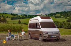 Der California XXL basiert auf dem VW Crafter mit mittlerem Radstand und hat ein neu konstruiertes GfK-Hochdach. (Foto: Werk)