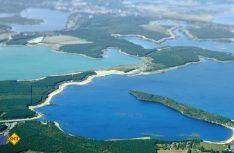 Durch das Fluten früherer Tagebaue ist eine spektakuläre Wasserwelt mit mehr als 20 künstlichen Seen entstanden. (Foto: Tourismus Lausitzer Seenplatte)