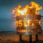 Fackel, Freizeit, Feuerwerk – Farbenfrohes Herbst-Spektakel an der Ostseeküste