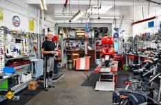Alles was zwei Räder hat, ist in der Werkstatt von Zweirad Gorzolla in besten Händen. (Foto: hcb)