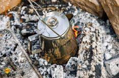 Kaffee-Kochen wie im Wilden Westen mit der Perkomax-Kanne von Petromax. (Foto: Werk)