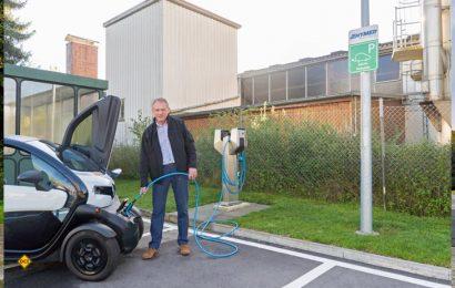 Hymer hat zwei E-Fahrzeuge für Mitarbeiter angeshafft und eine E-Ladestation auf dem Werksgelände installiert. (Foto: Hymer(