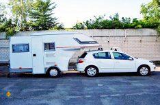 : Der Car-Camp ist mit etwas Übung in zehn Minuten abgekoppelt. Auch dann ist der Aufbau uneingeschränkt bewohnbar. (Foto: det)