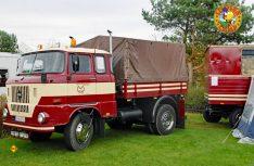 Grüße aus Ludwigsfelde: Mehr als 30 Jahre bis 1990 fast unverändert gebaut: Die robusten IFA W50 Lkws aus der DDR. (Foto: det)