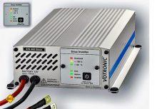 Die Votronic MobilPower Inverter der Baureihe SMI Sinus wandeln die Batteriespannung (12 Volt DC) in eine rein sinusförmige 230 Volt-Wechselspannung (AC) zum Betrieb aller netzgebundenen Geräte um. (Foto: Werk)