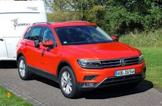 Das Karosserie-Design des neuen VW Tiguan wirkt auffallend sportlich und zeigt in jeder Perpektive Charsima. (Foto: sis)