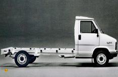 Das amc-Tiefrahmenchassis von Alko ermöglichte den Herstellern einen flachen Aufbau für ein teilintegriertes Reisemobil. (Foto: D.C.I.-Archiv / Fiat)