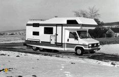 Tandem-Chassis unter nobler Alkoven-Karosse: Ein Niesmann + Bischoff Clou aus dem Jahr 1986. (Foto: D.C.I.-Archiv / Niesmann)