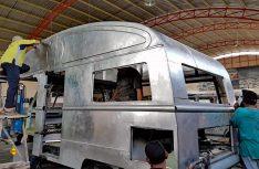 Profiarbeit: Vorgepresete Teile werden für die Alkovenverkleidung verwendet. (Foto: Yumos)