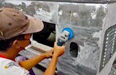 """Handarbeit """"made in Indonesia"""": Die T1-Karrosserie wird original nachgearbeitet. (Foto: Yumos)"""