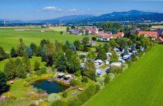 Mit dem Campingpark Fisching bietet sich ein familiäre und ruhiger 50plus-PLatz für einen Urlaub in der Steiermark an. (Foto: Campingpark Fisching)