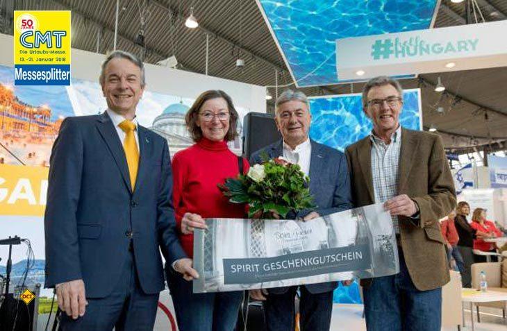 Lydia Seyfang und Rudolf Resch aus Sontheim an der Brenz (mitte) waren die 135.000 Messebesucher auf der CMT 2018. (Foto: Messe Stuttgart)