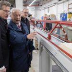 Landes-Wirtschaftsminister besucht Hobby-Werk