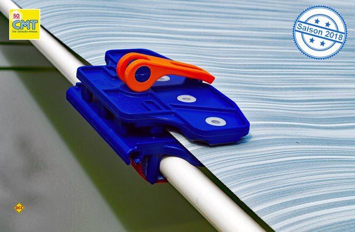 Die Markisenklemme Fix&Go Anti Flap von Peggy Peg schützt vor Flattern der Markise. (Foto: Peggy Peg)