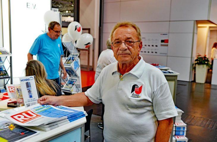 Die Reisemobil Union (RU), Dachverband der Reisemobilfahrer, hat mit ihrem Präsidenten Winfried Krag durch einen Artikel zur Stellplatz-Problematik auf dem Caravan Salon 2017 viel Staub aufgewirbelt. (Foto: det)
