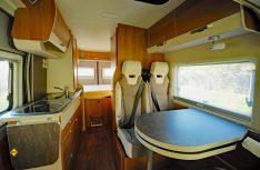 Gemütliches und modernes Interieur im VanTourer 600 mit viel Platz und Bewegungsfreiheit. (Foto: det)