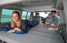 Das Erfolgskonzept beibt auch beim VW T5 bestehen: Schlafsitzbank, Aufstelldach und hoher Qualitätsanspruch. (Foto: Werk)