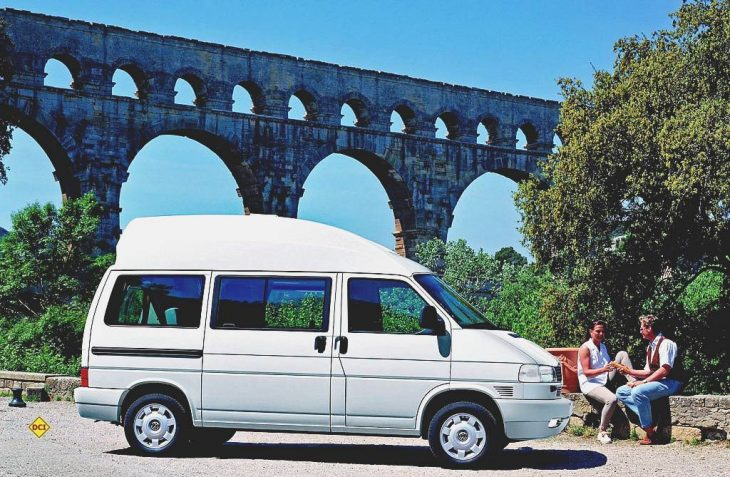 Der VW California Coach mit Compactdach auf dem T4. (Foto: Werk)