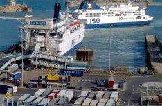 Die Fähren von P&O sind seit eh und je im Verkehr mit dem Königreich im Einsatz. Hier im Gedränge an der Anlegestelle in Dover. (Foto: P&O)