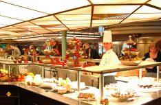 Erholung am Frühstücksbuffet einer Fähre von DFDS. (Foto: DFDS)