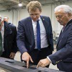 Ministerpräsident Daniel Günther besucht Hobby-Werk