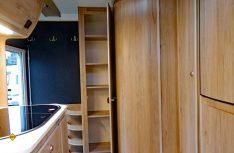 Zwei raumhohe Kleiderschränke kann die Tischer Kabine anbieten. (Foto: det)