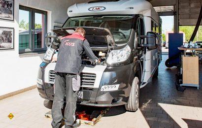 Die Prüfigenieure des Fahrzeugüberwachers KÜS geben für den Caravaning-Saisonstart wichtige Tipps. (Foto: KÜS)