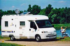 Der Erfolg gab Bürstner recht: Die neue Fahrzeuggattung konnte sehr schnell den Markt erobern. Hier ein T 604 aus dem Jahr 1997. (Foto: Bürstner)