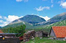Die schwarzen Berge, die Montenegro den Namen geben, sind über 2.500 Meter hoch. (Foto: det)