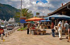 Quirliges Leben in der Küstenstadt Kotor. (Foto: det)
