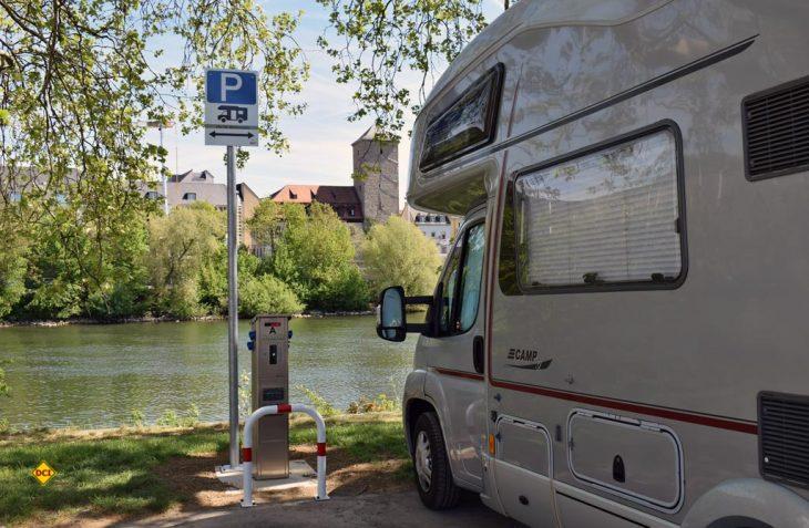 Direkt am Main, zentral in der Stadt hat Würzburg einen tollen Stellplatz für 30 Mobile eingerichtet. (Foto: WVV Würzburg)