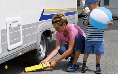 Überladen des Wohnmobils kann besonders im Ausland teuer werden. Deshalb regelmäßig das Gewicht am Fahrzeug kontrollieren. (Foto: D.C.I.-Archiv)