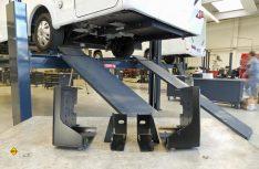 Anhängkupplungen und Heckträger bei Reisemobilen sollten nur in der Fachwerkstatt montiert werden. Al-Ko-Sawiko gibt Tipps dazu. (Foto: Al-Ko)