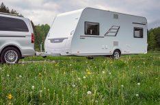In der Eriba Living-Baureihe bietet Hymer jetzt zwei komplett neue Grundrisse mit Platz für sieben und neun Personen an.