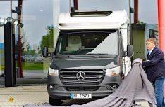 Feierliche Enthüllung: Der neue Hymer ML-T auf dem neuen Mercedes-Benz Sprinter. (Foto: det)
