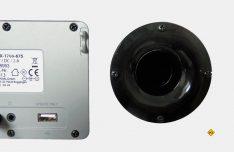 Die Heckansicht: Eine Bass-Reflectorbox sorgt auch bei tiefen Tönen für einen guten Klang. Der USB-Anschluß steht für Updates zur Verfügung. (Foto: det)