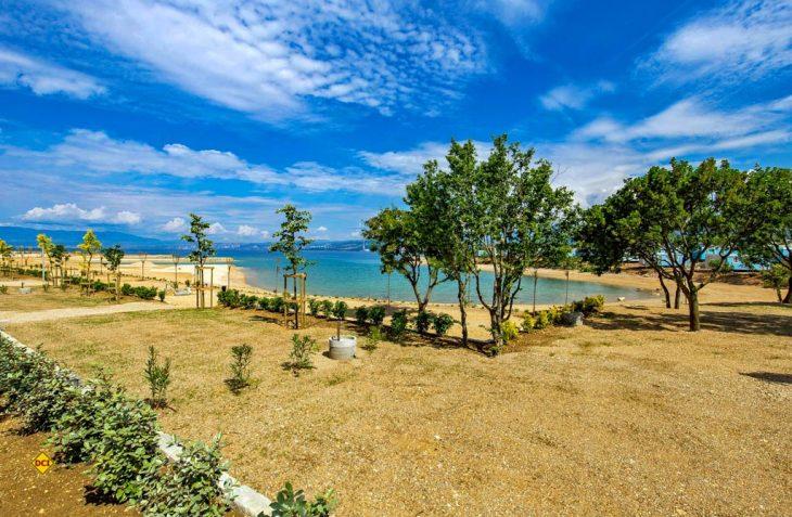 """Der traumhaft gelegene """"Fünf-Sterne-Campingplatz Omišalj"""" auf der Insel Krk wartet auf Gäste und kann mit höchsten Komfort-Standards punkten. (Foto: Camping Omišalj)"""