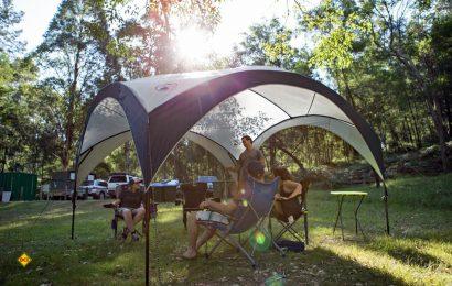 Mit dem FastPitch bringt Coleman einen coolen Pavillon, der wenig wiegt und schnell und einfach aufgebaut werden kann. (Foto: Coleman)