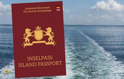 Ein Pass für alle Fälle: 37 dänische Inseln können in diesem persönlichen Urlaubstagebuch gesammelt und ganz offiziell abgestempelt werden. (Foto: visitdenmark)