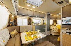 Beim Interieur des Generation Caravan zeigen die Dethleffs Designer eine für Dethleffs völlig neue Möbeloptik mit einer neuen Kreation von Dachschrankklappen und Dekoren. (Foto: Werk)