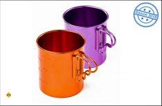 Sie schauen gut aus und sind ein cooles Outdoor-Zubehör: Die neuen Bugaboo Camp Cups in knalligem Orange oder Purple. (Foto: GSI Outdoors)