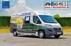 Der Weinsberg der Firma Knaus Tabbert macht eine exzellente Figur als Kampagnenfahrzeug des Weltrekord-Konvois und für die Kennzeichen C-Initiative. (Foto: det/D.C.I.)