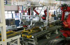 Die Rohkarosse des Ducato wird vollautomatisch geschweißt. (Foto: Fiat Professional)