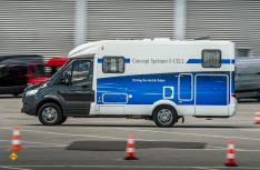 Lokal emissionsfreie Mobilität im Praxischeck: Der eSprinter als Reisemobil ist fit für den urbanen Einsatz. (Foto: Mercedes-Benz)