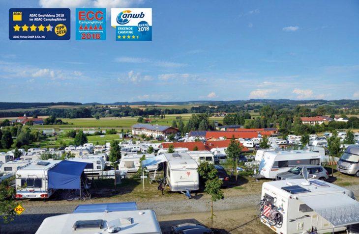 Gleich drei hochrangige Auszeichnungen hat das niederbayerische Fünf-Sterne-Ressort Vital Camping Bayerbach zum Start in die Hochsaison erhalten. (Foto: Vital Camping)