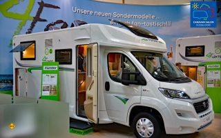 Die Forster Reisemobile kommen für 2019 mit einem neuen Außendesign und zwei Sondermodelle 4Fans. Hier der 4Fans T 649 EB. (Foto: det)